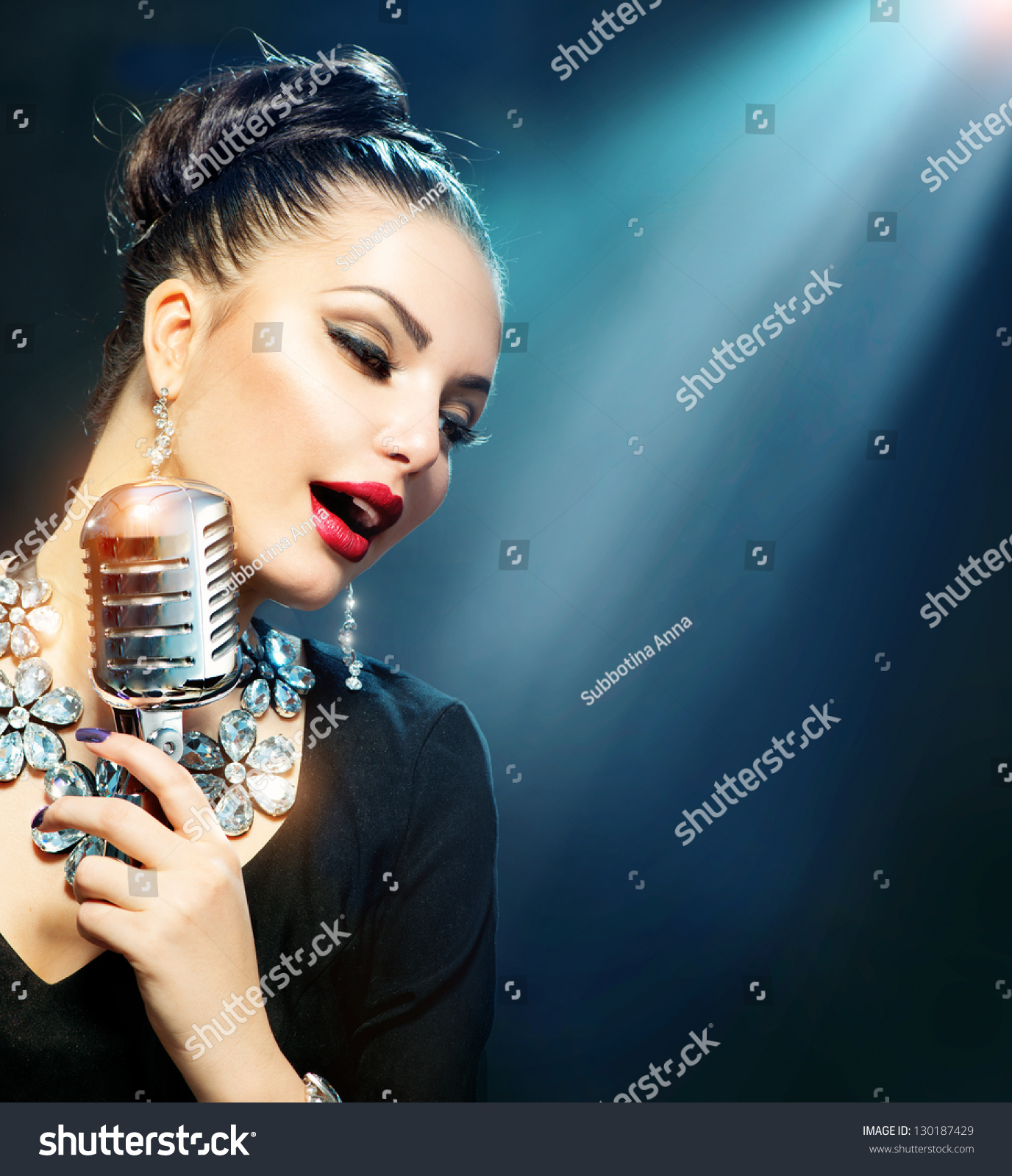 singing the girl retro - photo #3