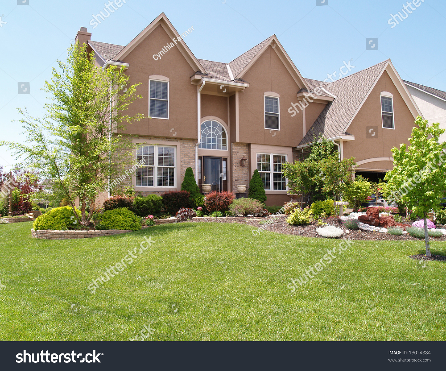 Front Exterior Modern Stucco House Stock Photo 13024384 Shutterstock