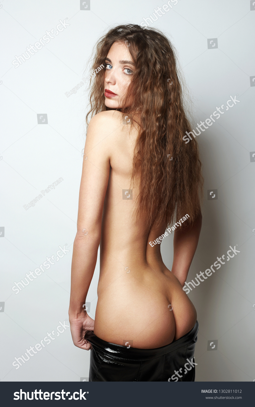 Beautiful girl naked Pics of