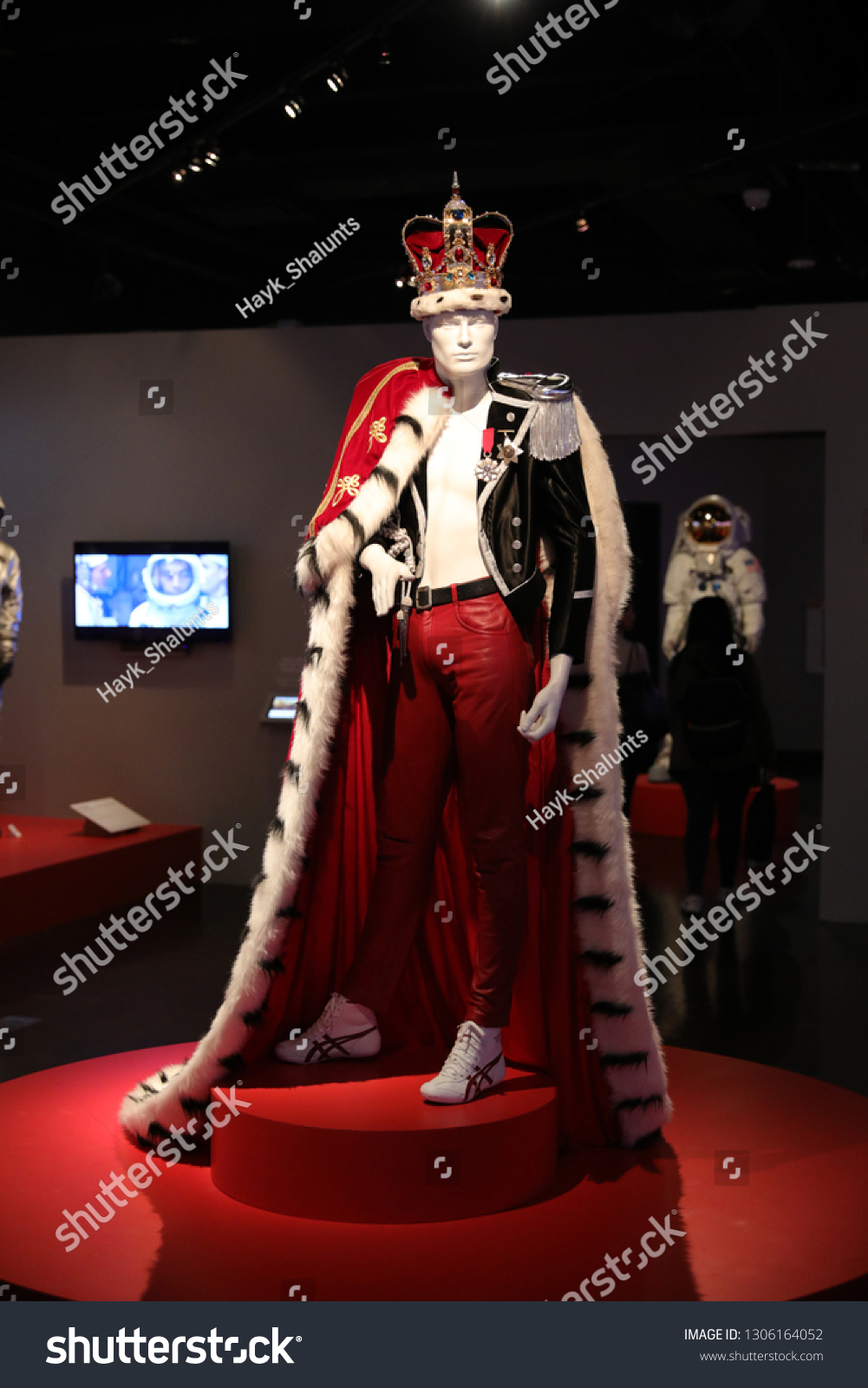 Los Angeles Ca Usa 252019 Costumes The Arts Stock Image