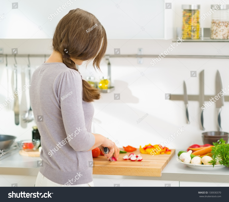 Сзади на кухне 1 фотография
