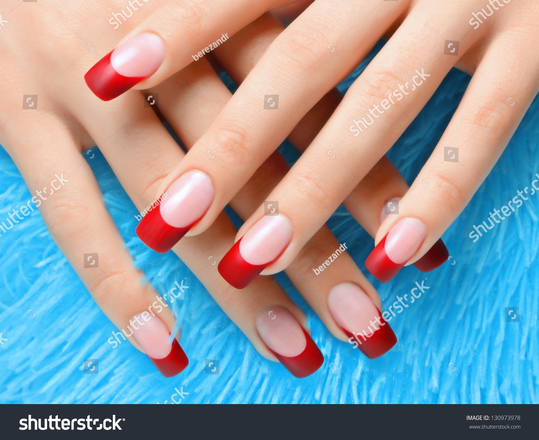 Маникюр с френчем разного цвета на ногтях фото8