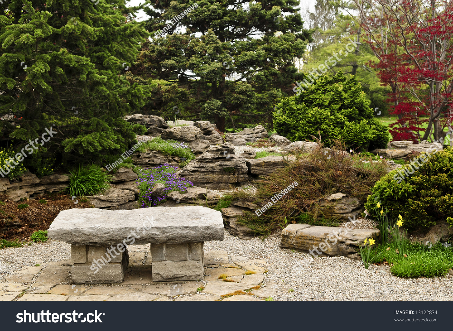 Delicieux Japanese Zen Garden With Natural Stone Bench