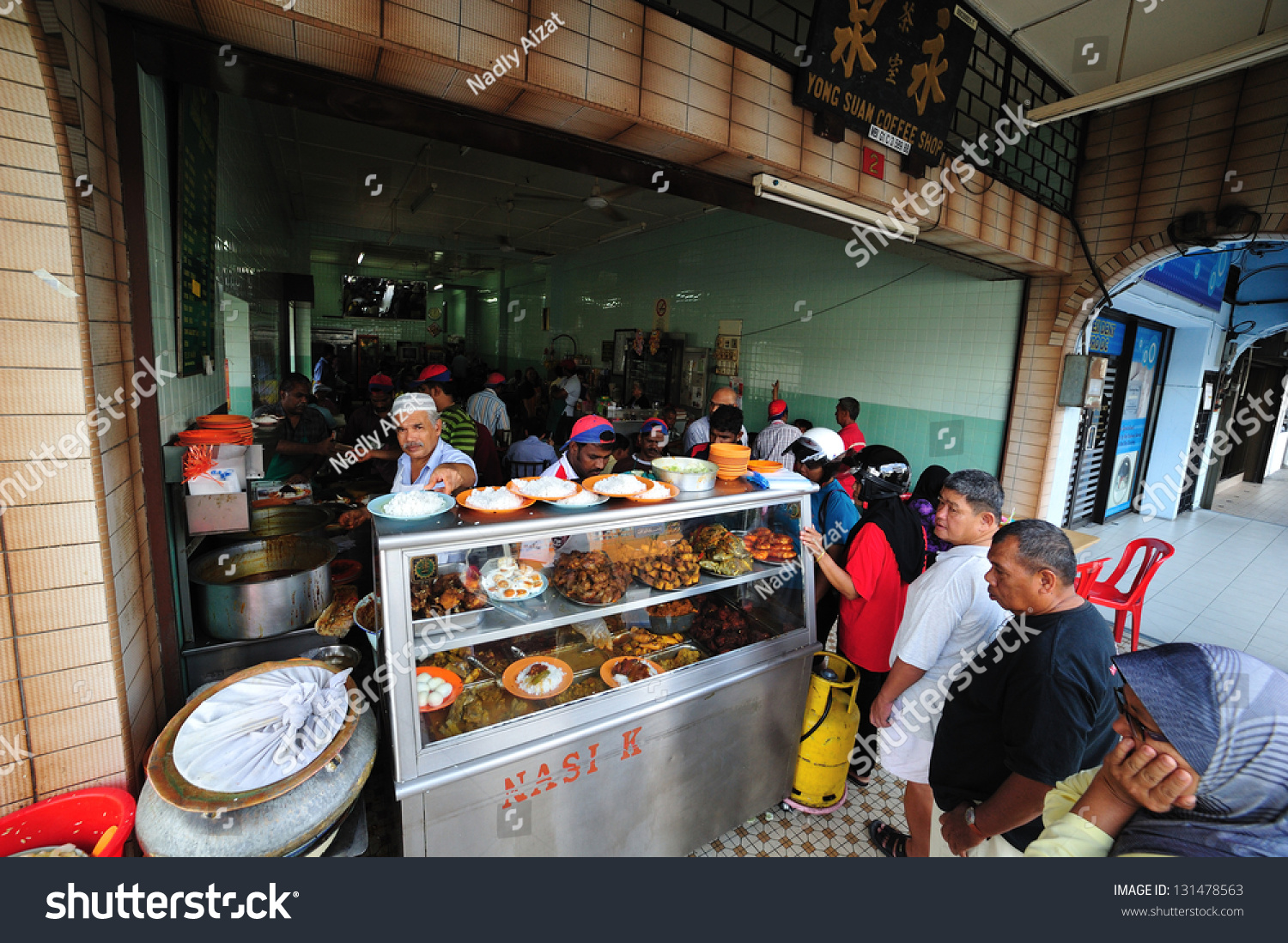 Ipoh, Malaysia - February 21:People Line Up To Buy Food At ...