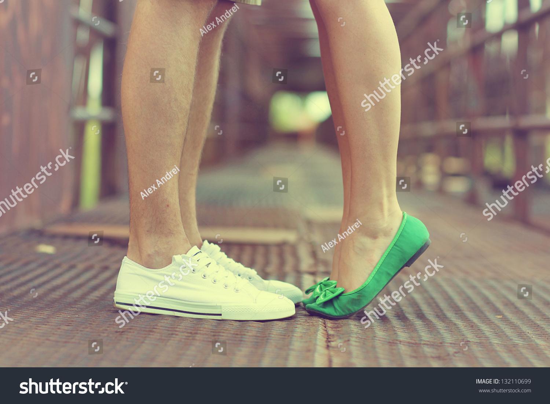 Фото женских ножек в обуви 8 фотография