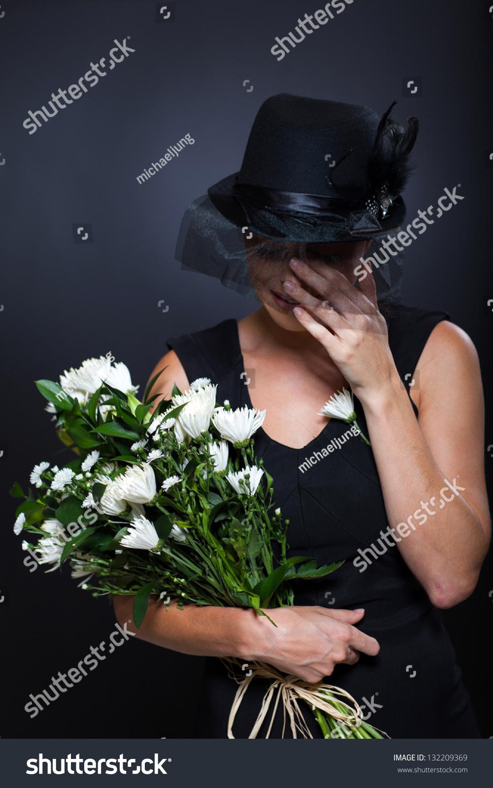 Секс на похоронах 8 фотография