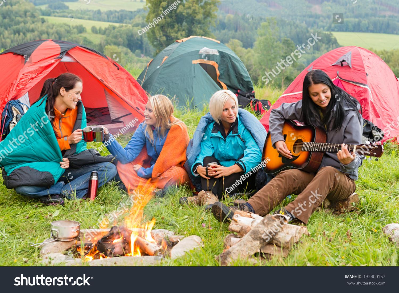 Студенты в палатке 6 фотография