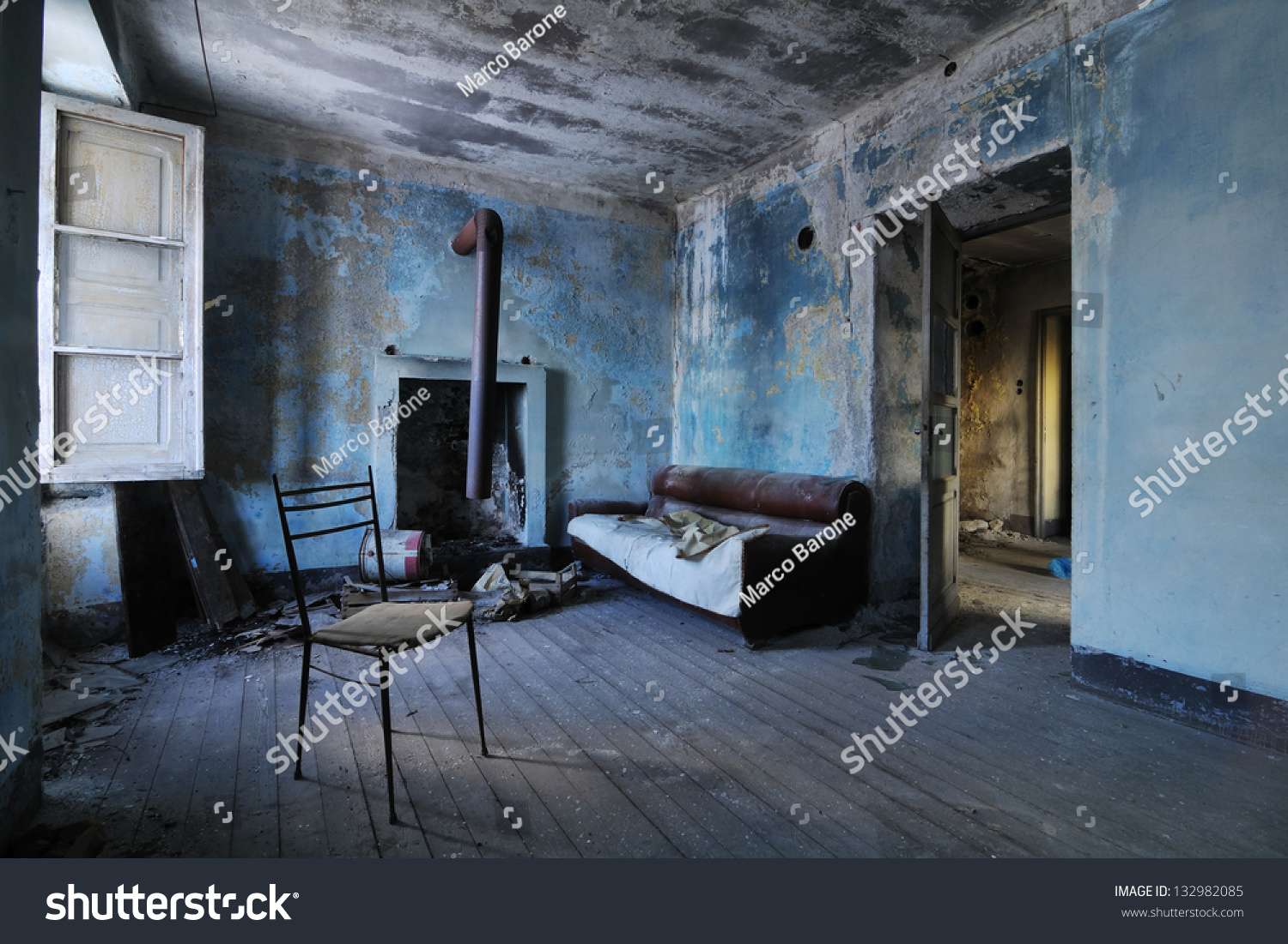 Old Abandoned Room Stock Photo 132982085 Shutterstock