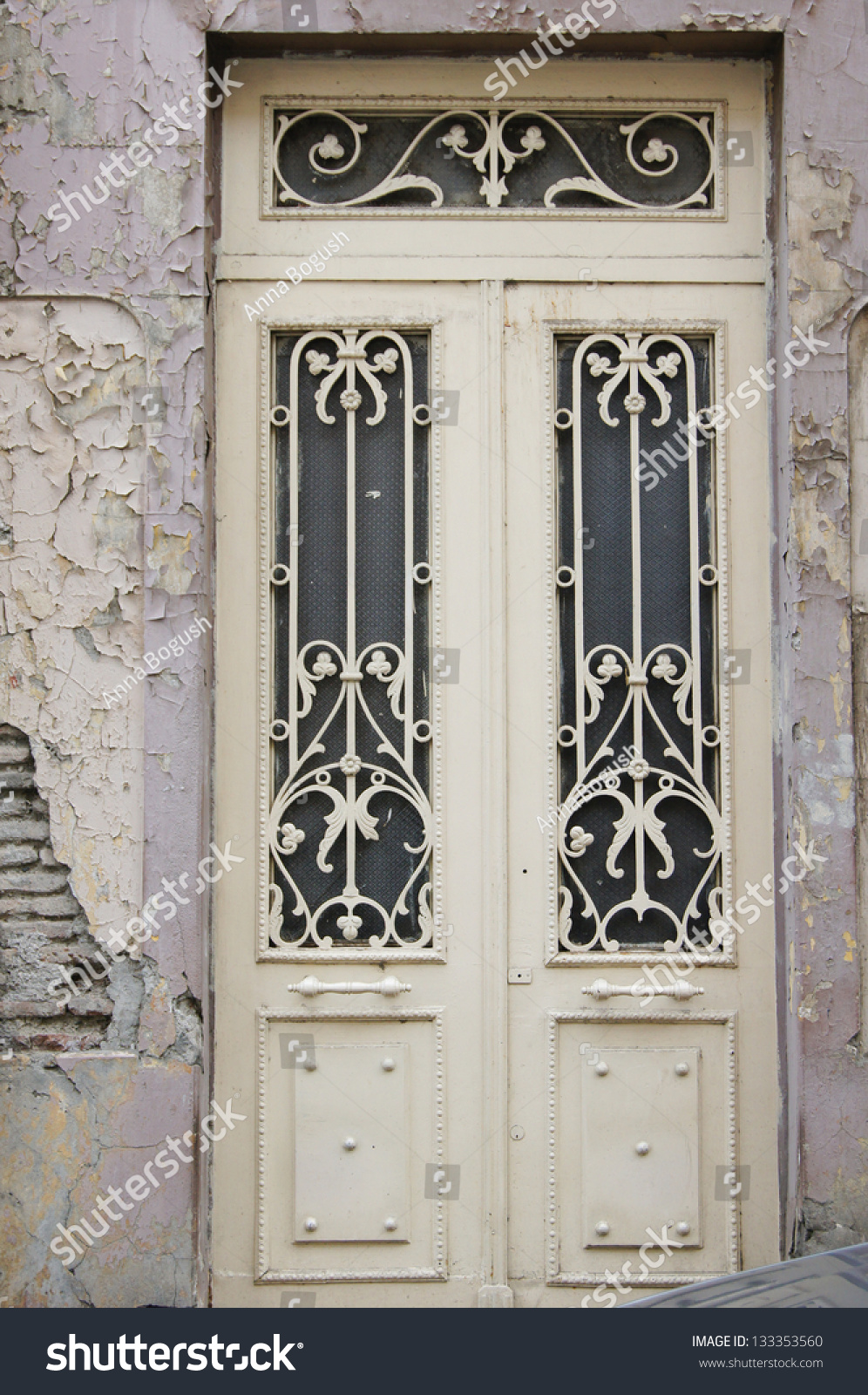 Art nouveau door decoration in forged iron in tbilisi old for Antique door decoration