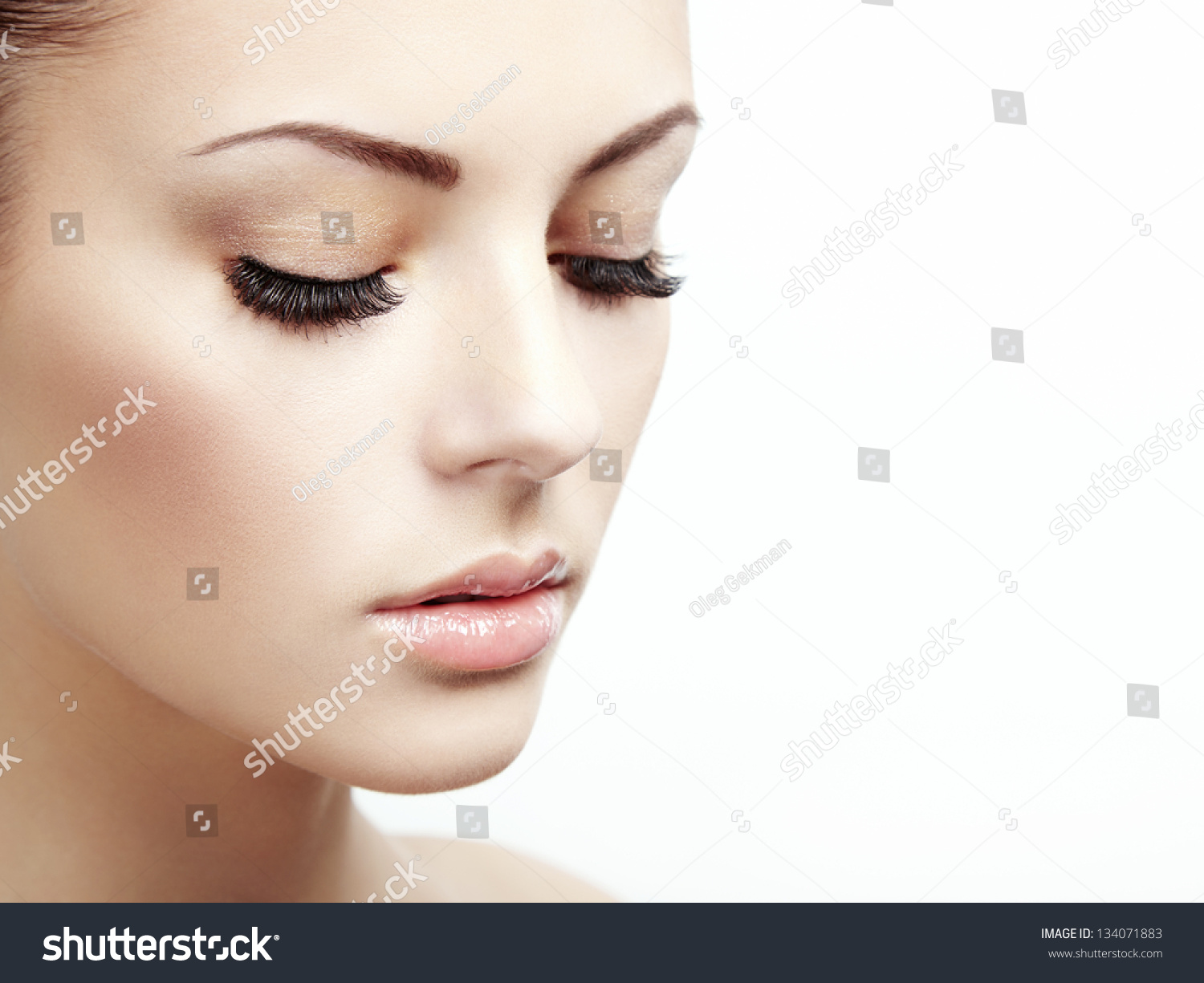Pretty Ladies Face In Ephremtube: Beautiful Woman Face. Perfect Makeup. Beauty Fashion Stock