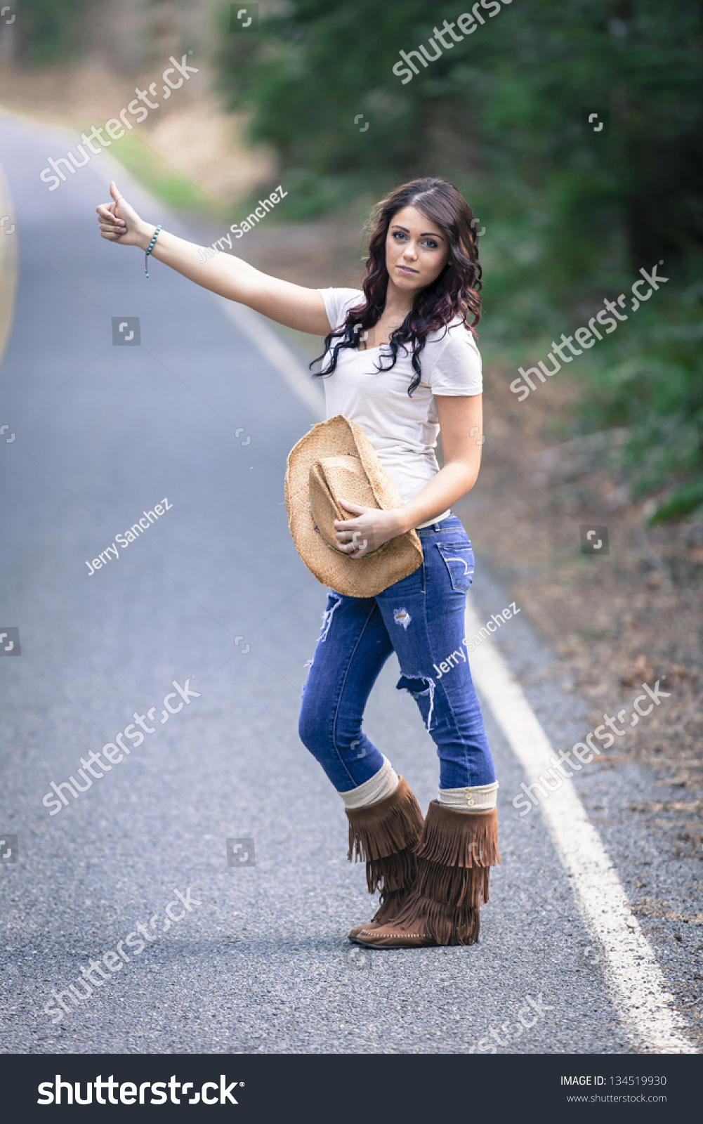 Young teen hitchhikers — photo 4