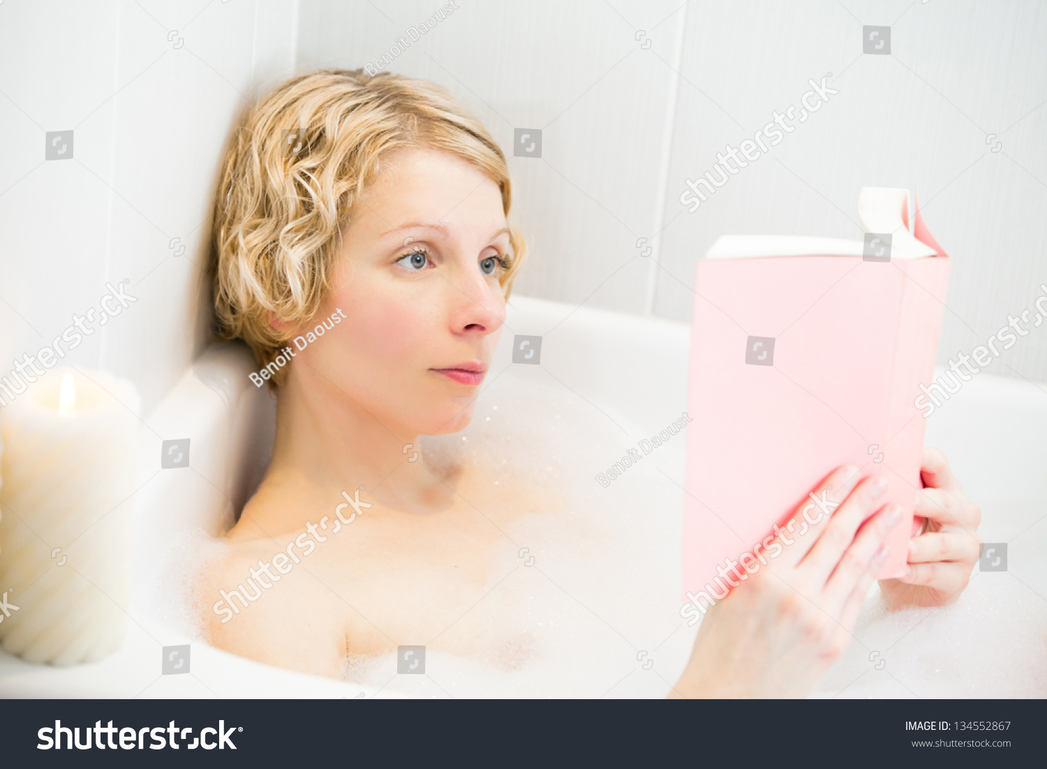 Young Woman Relaxing Reading Bath Stock Photo 134552867 - Shutterstock