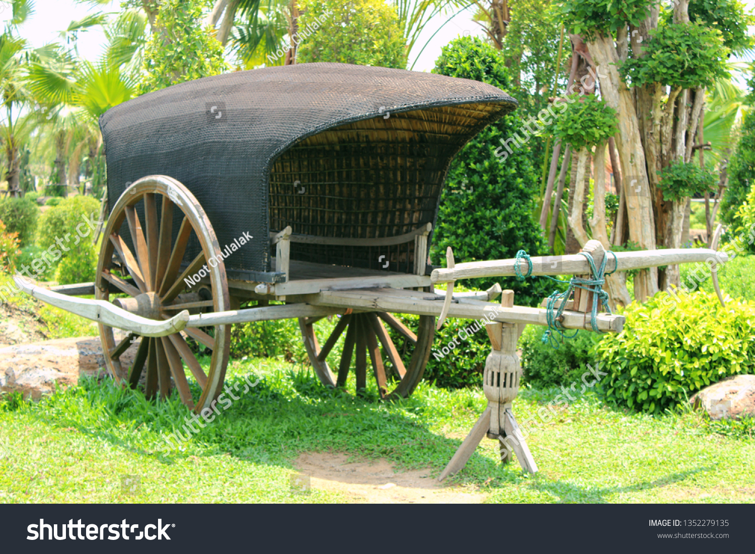 Antique Cart Wheel Antique Wagon Wheel Stock Photo Edit Now 1352279135