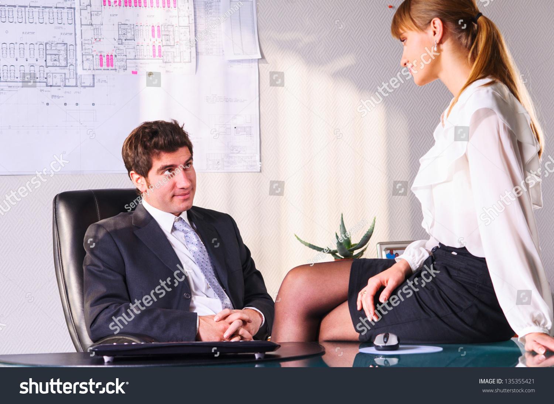 Шеф на работе с секретаршей 5 фотография