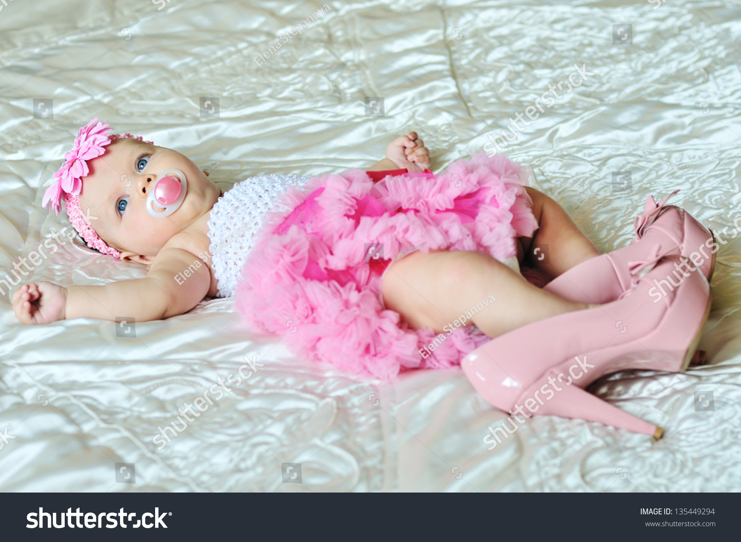 Fashion 3 Months Old Baby Girl Stock Photo 135449294 - Shutterstock