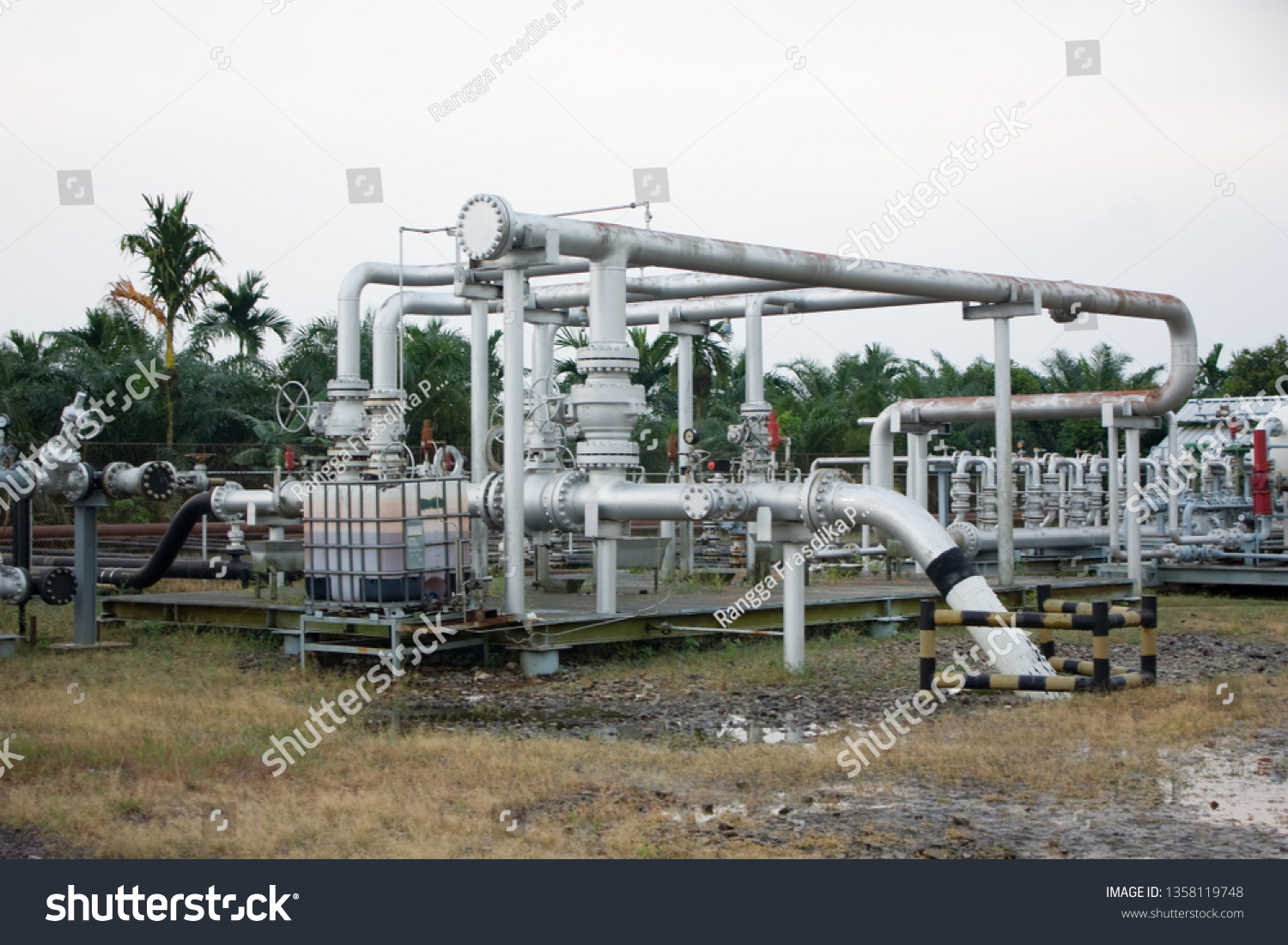 Pipeline oil and gas industry, LNG industry, and Geothermal industry #1358119748
