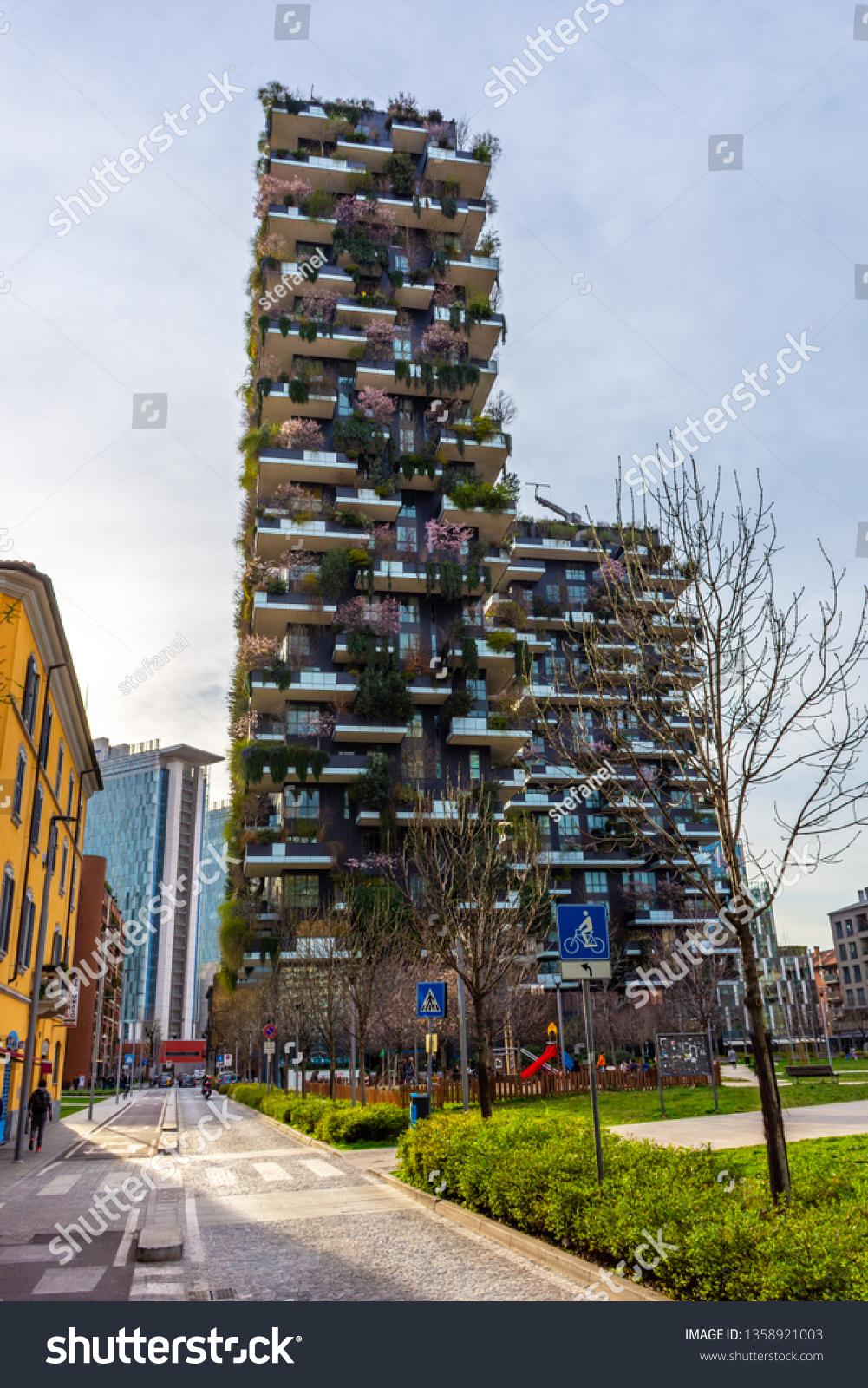 Foto Bosco Verticale Milano nuova york bilder, stockfoton och vektorer med   shutterstock