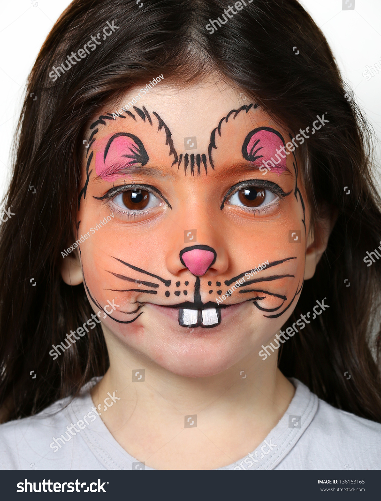 Pretty Girl Face Painting Mouse Stock Photo 136163165 - Shutterstock