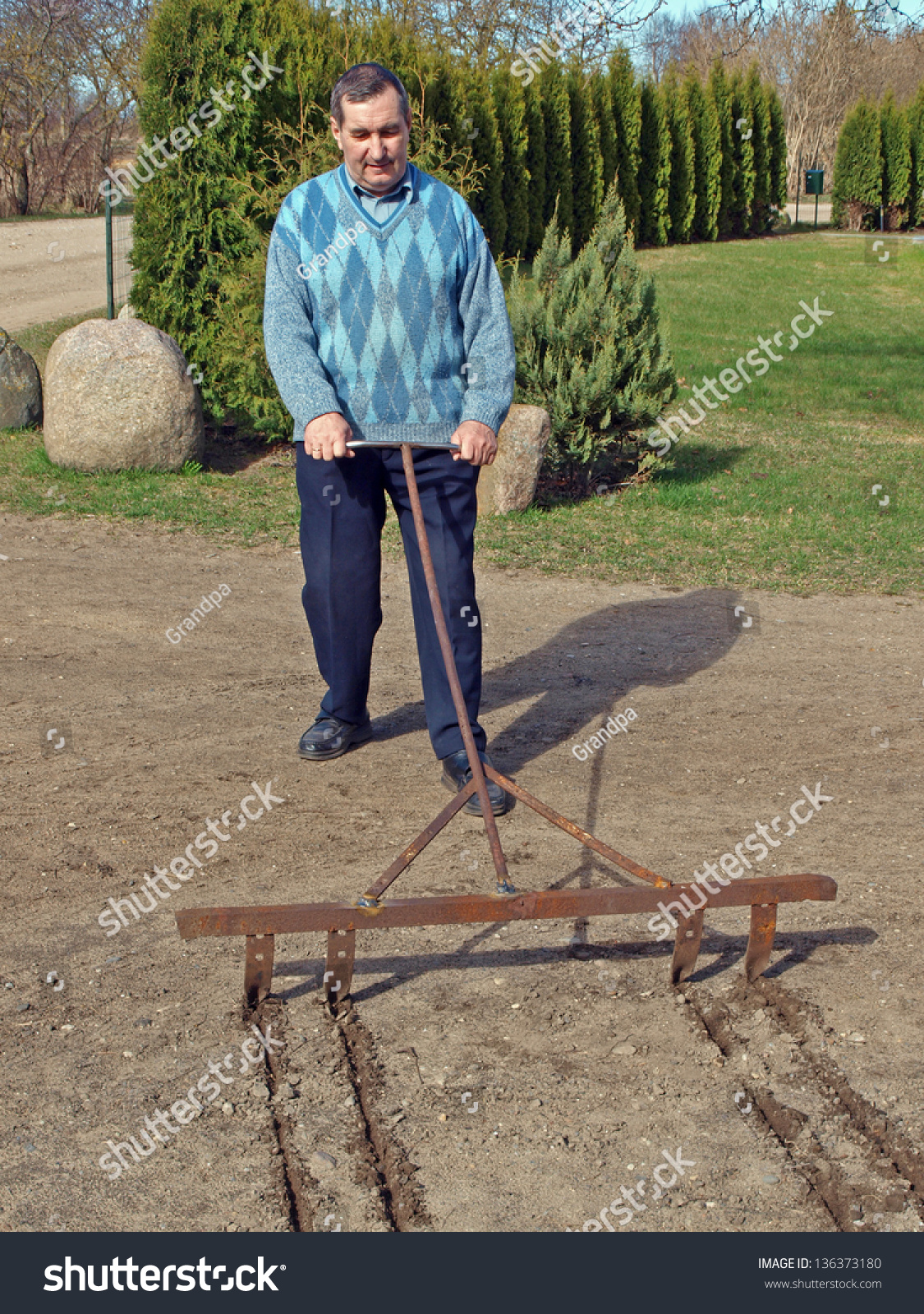 Seeding mature woman