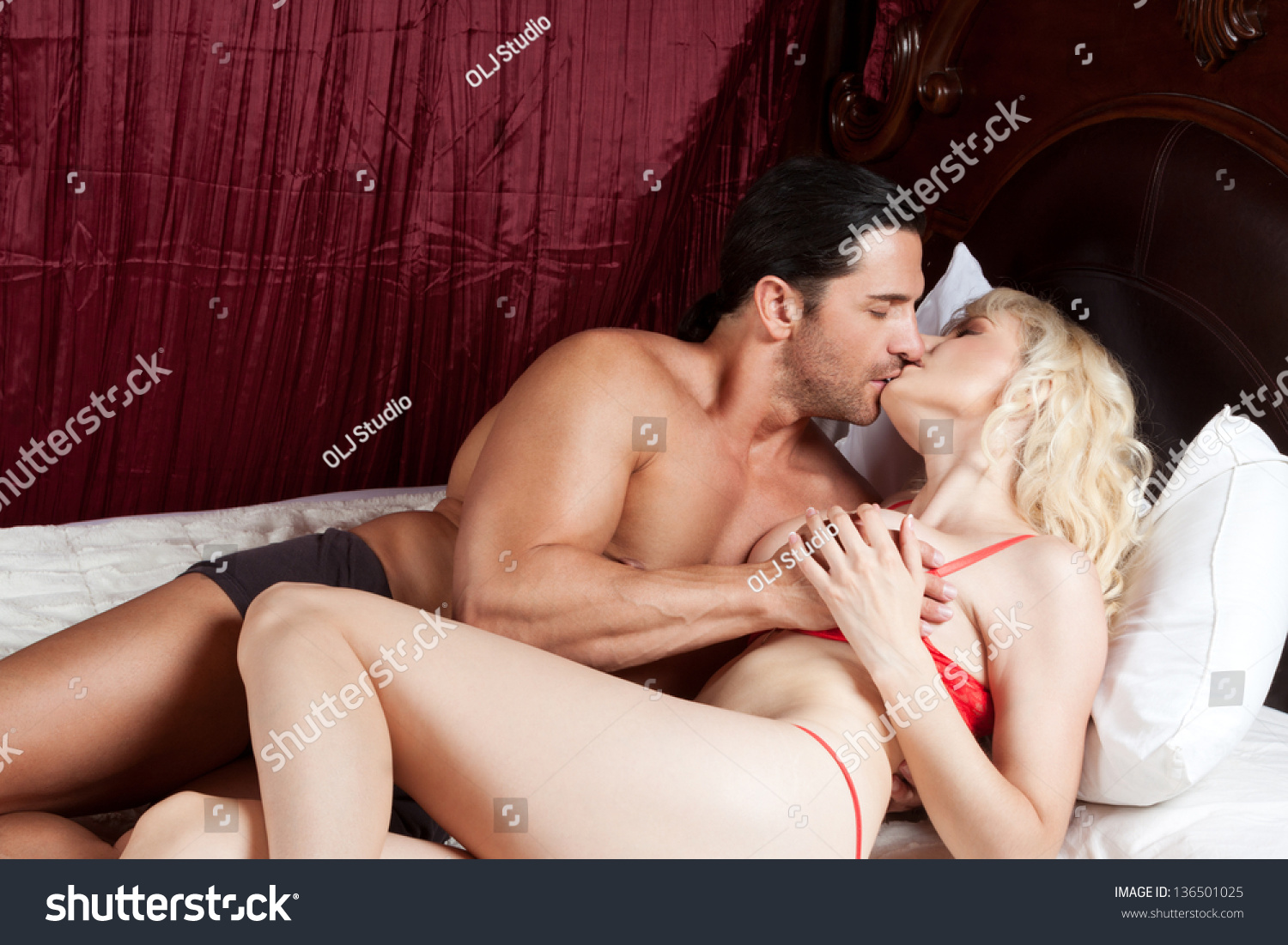 Love Heterosexual Sensual Naked Couple Bed Stock Photo -2790