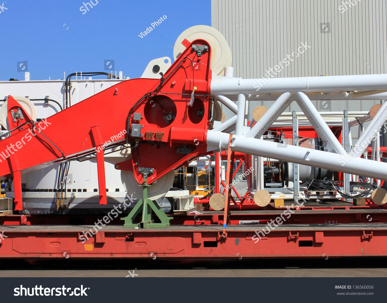 Components Of Loading Equipment In Crane Building Factory ...