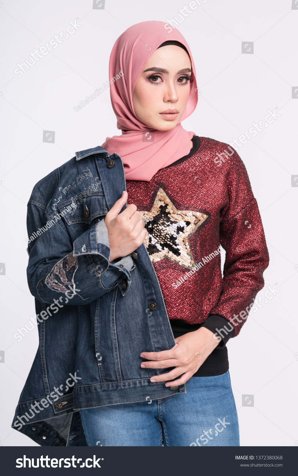 Hijab Jaket Jeans 2