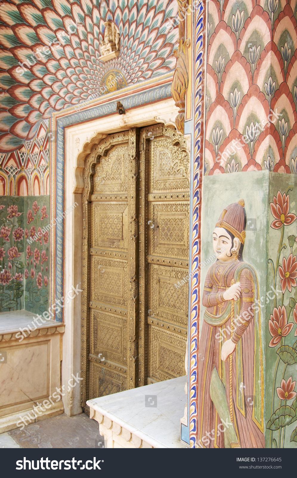 Lotus gate at the chandra mahal jaipur city palace for Decor india jaipur