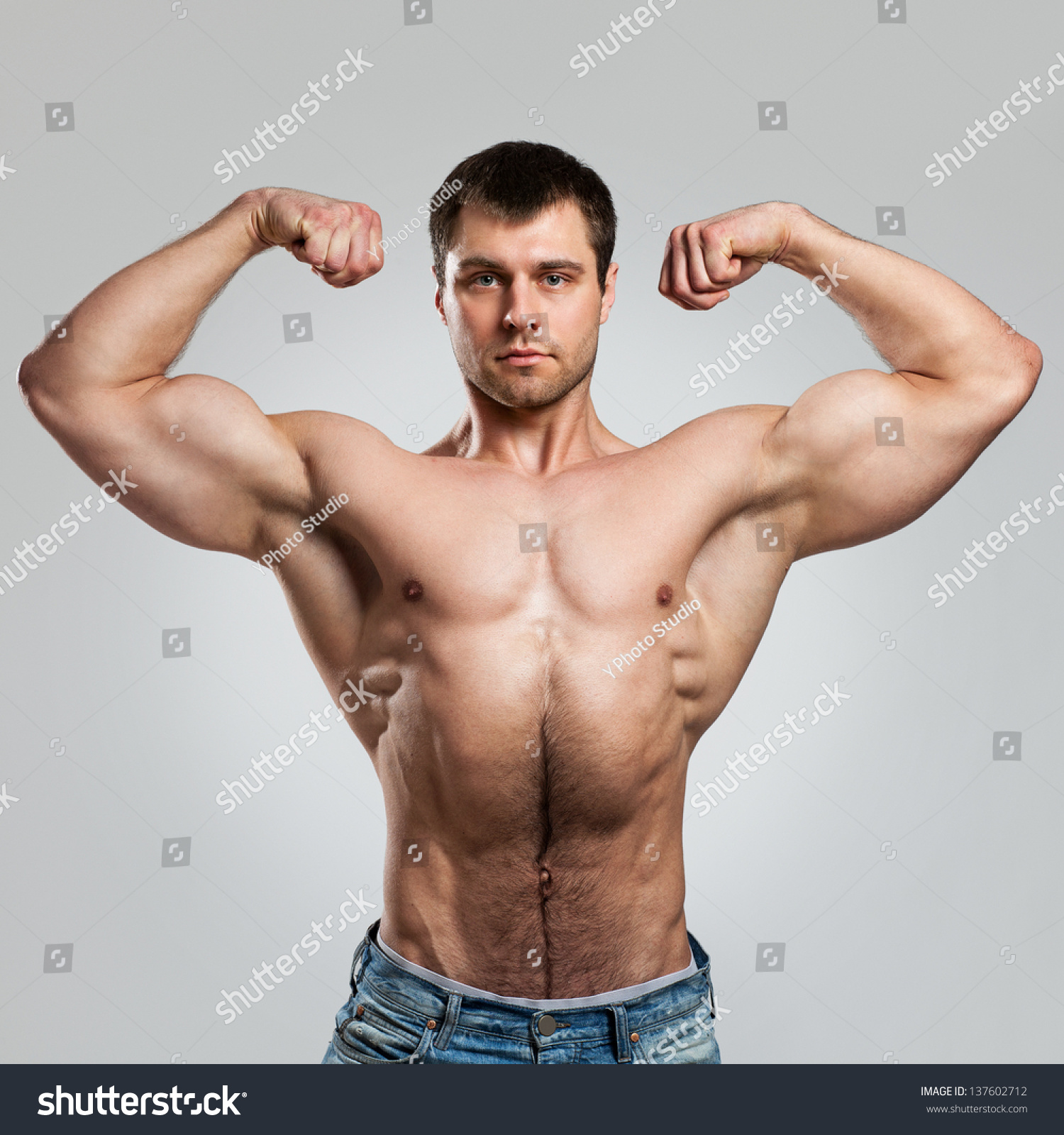 Are Muscular Men More Attractive - Girlsaskguys-7276