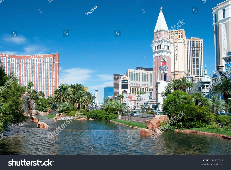 Non casino hotels on las vegas strip