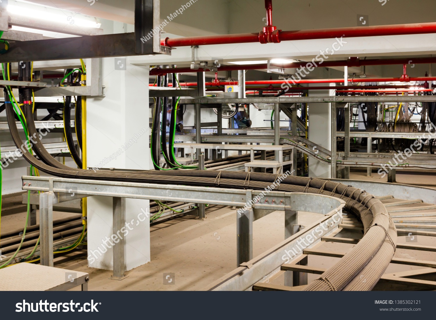 The power cable install on cable ladder in cable room #1385302121