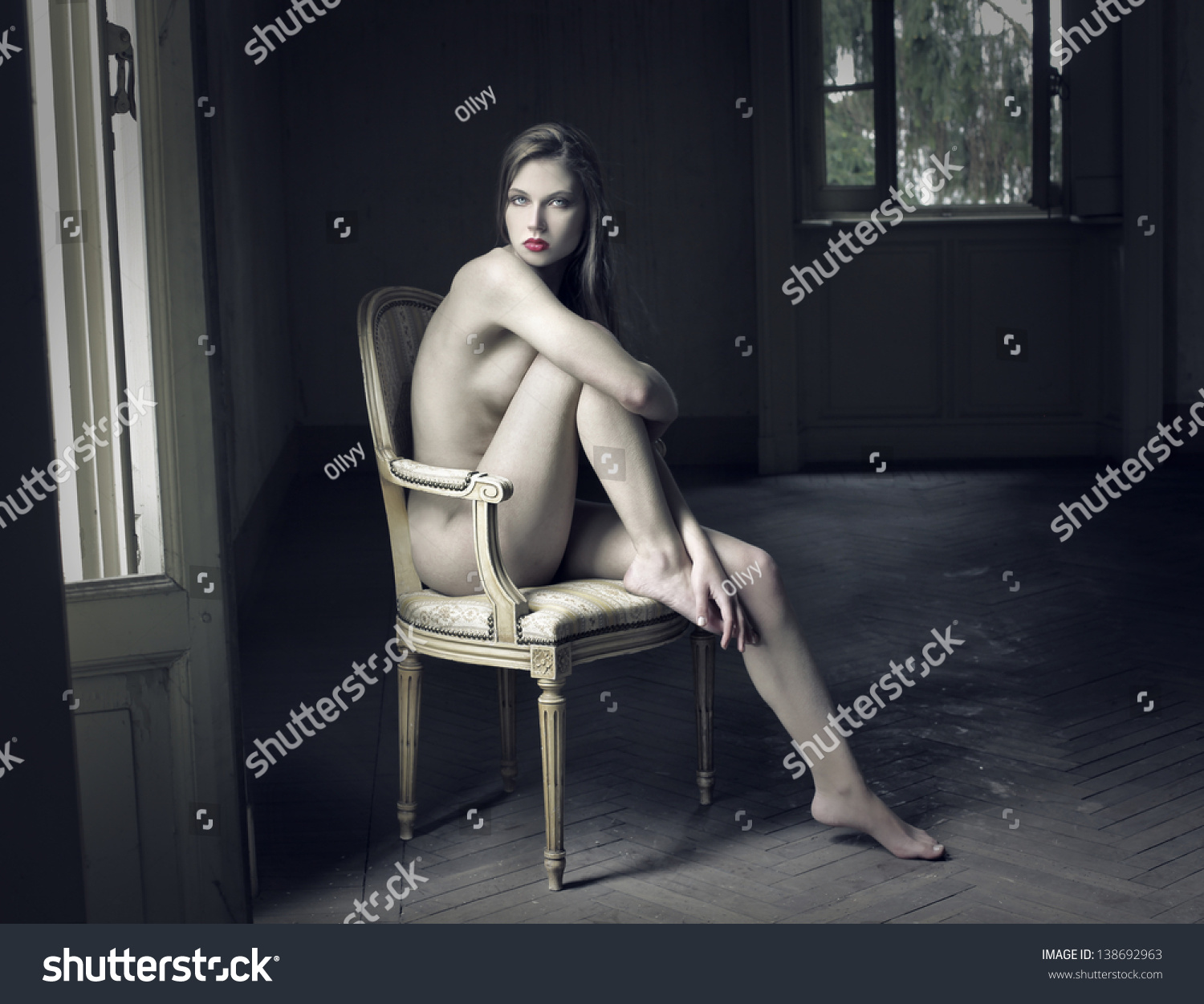 Willing wife poses nude