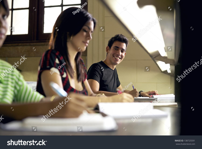 Фото студенти изучают женские пол органы на девушке 16 фотография