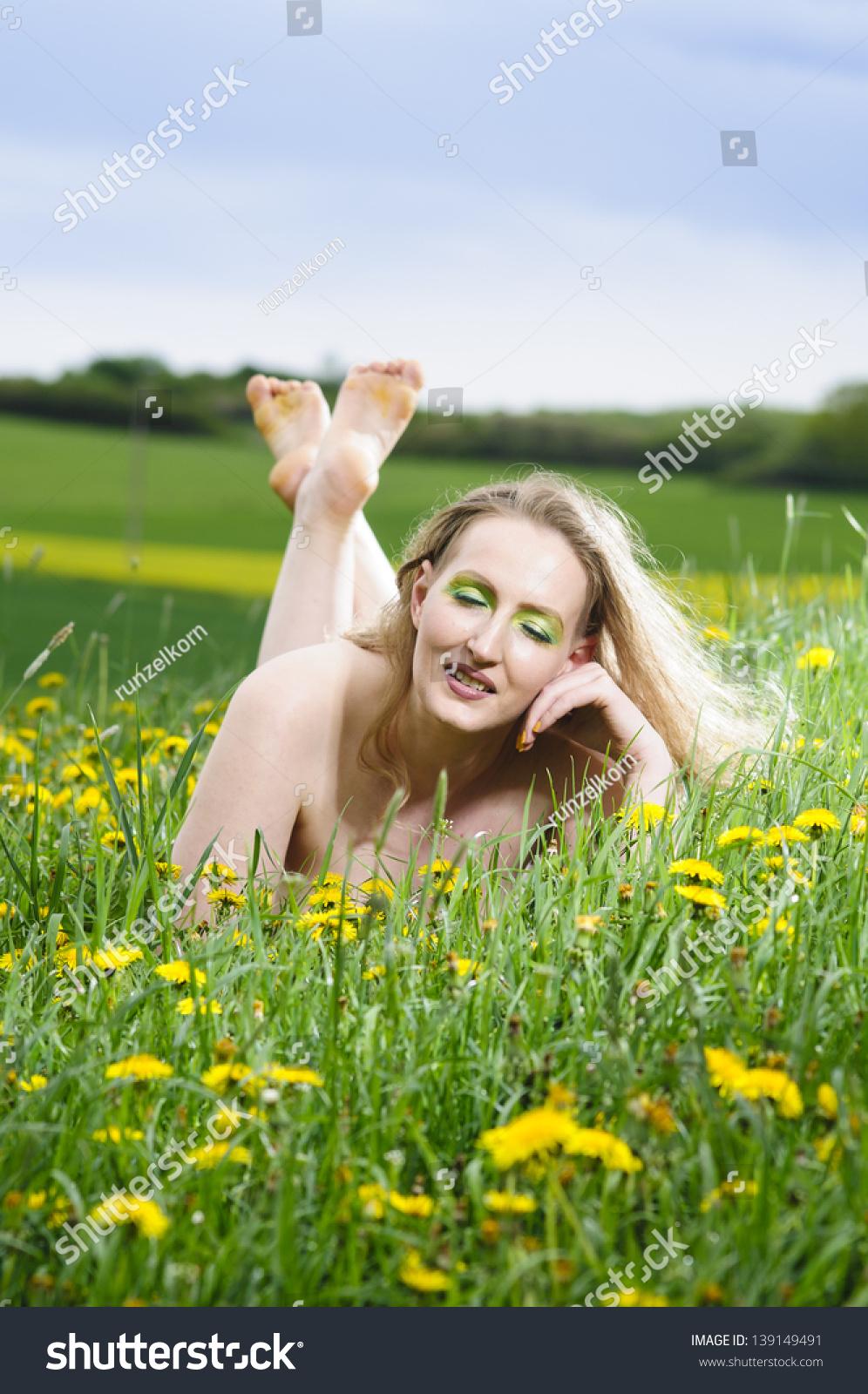 eben dívky nahé fotky