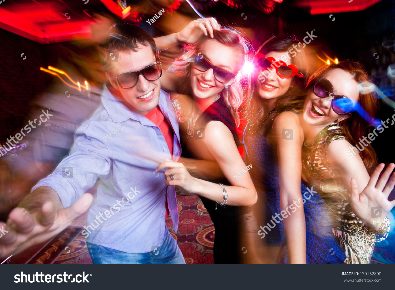Русские жены в ночных клубах 5 фотография