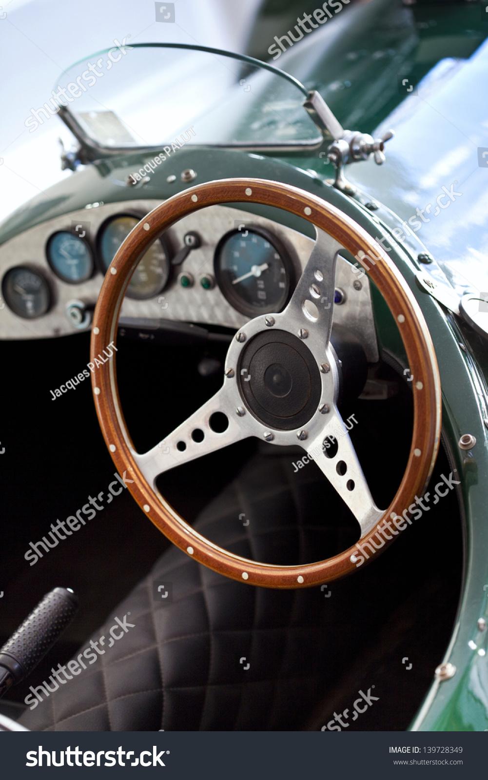 Wheel Vintage Car Stock Photo 139728349 - Shutterstock
