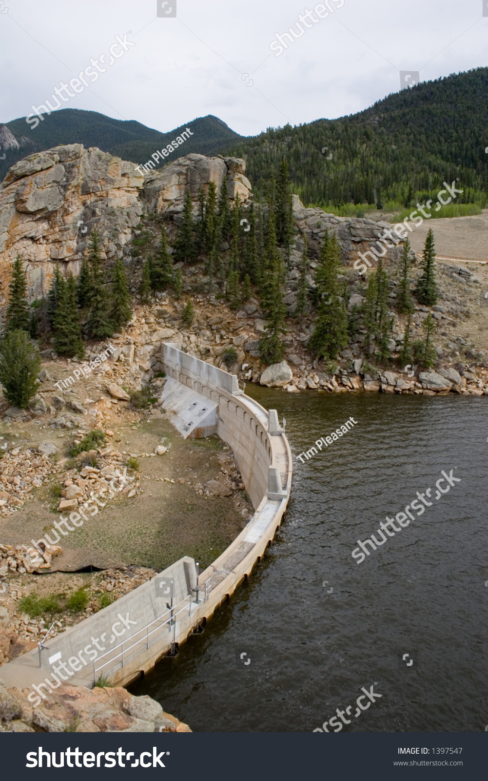 Vertical view concrete steel dam that stock photo 1397547 for Tarryall reservoir fishing