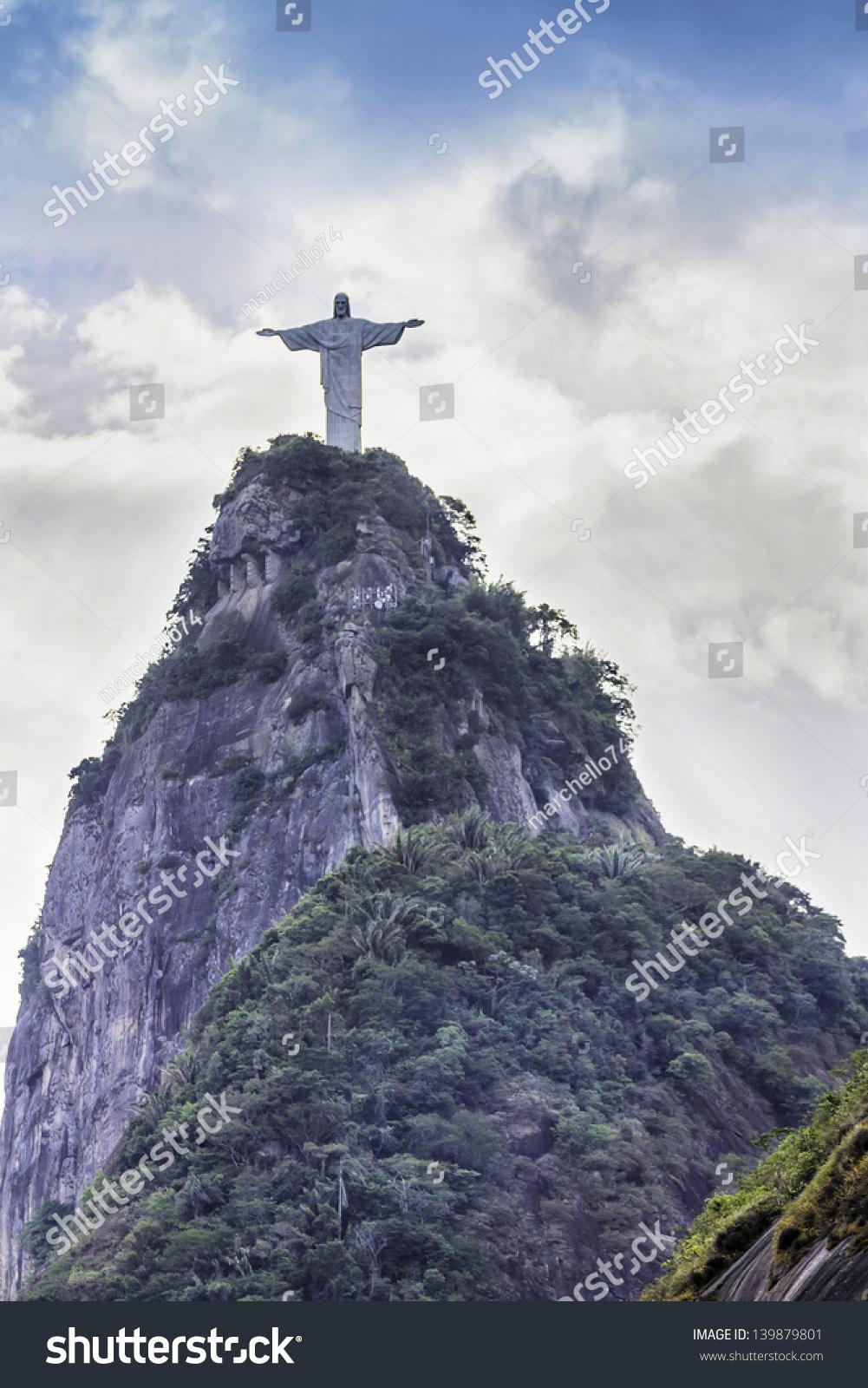 Christ the Redeemer Statue: Rio de Janeiro   Travel Blue Book