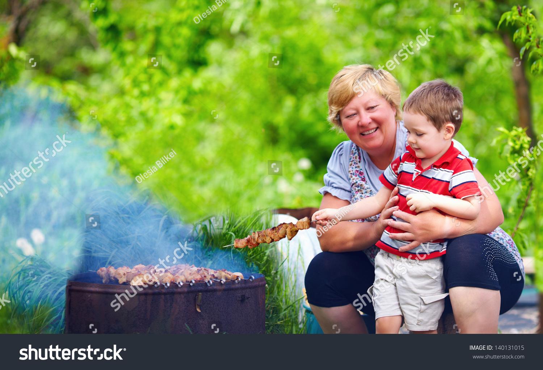Сех бабушка с вунукам 21 фотография