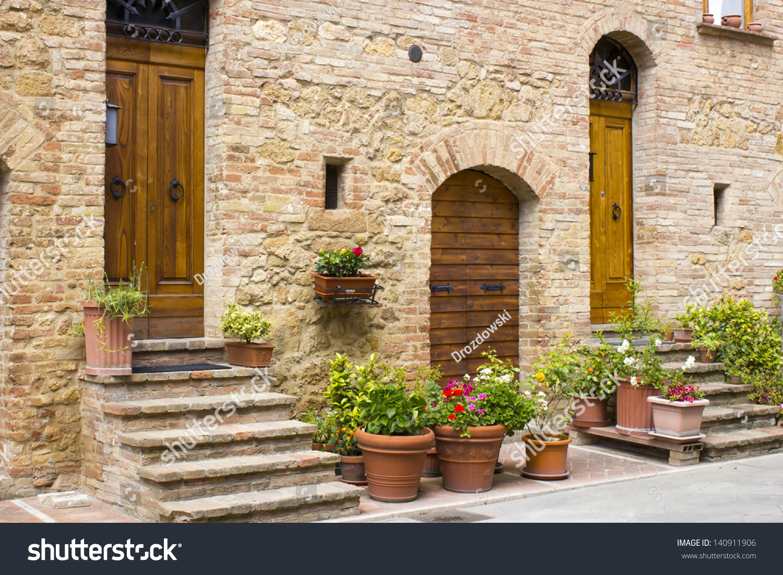 Lovely Tuscan Street, Pienza, Italy Stock Photo 140911906
