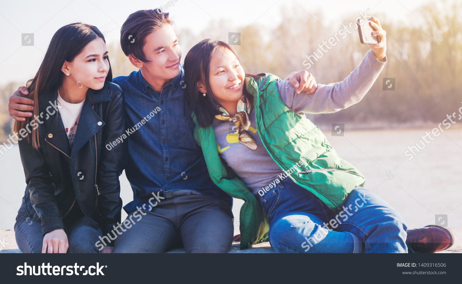 Asian Teens Going School High Resolution Stock Photography and ... | 922x1500