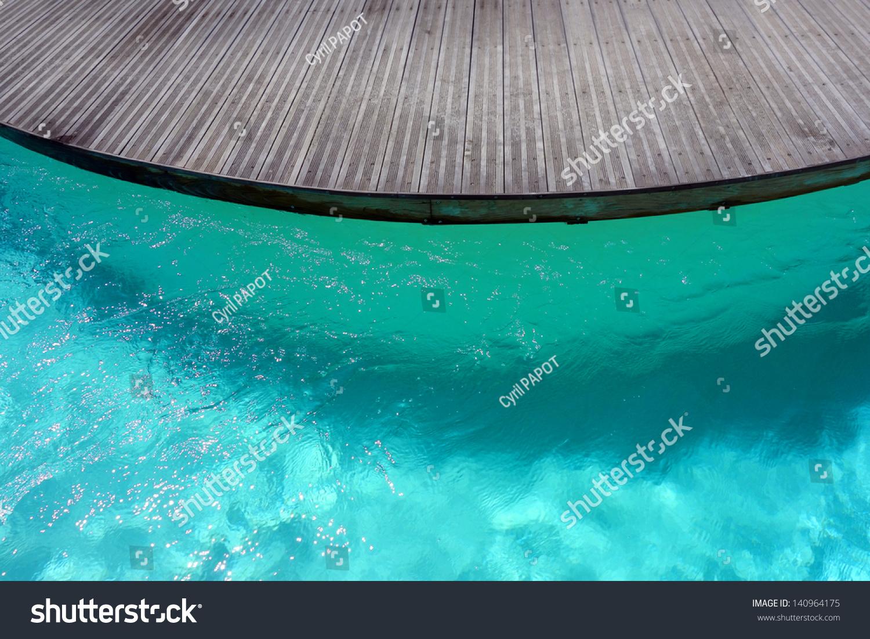 Piscine d 39 un club de vacances stock photo 140964175 for Club de piscine