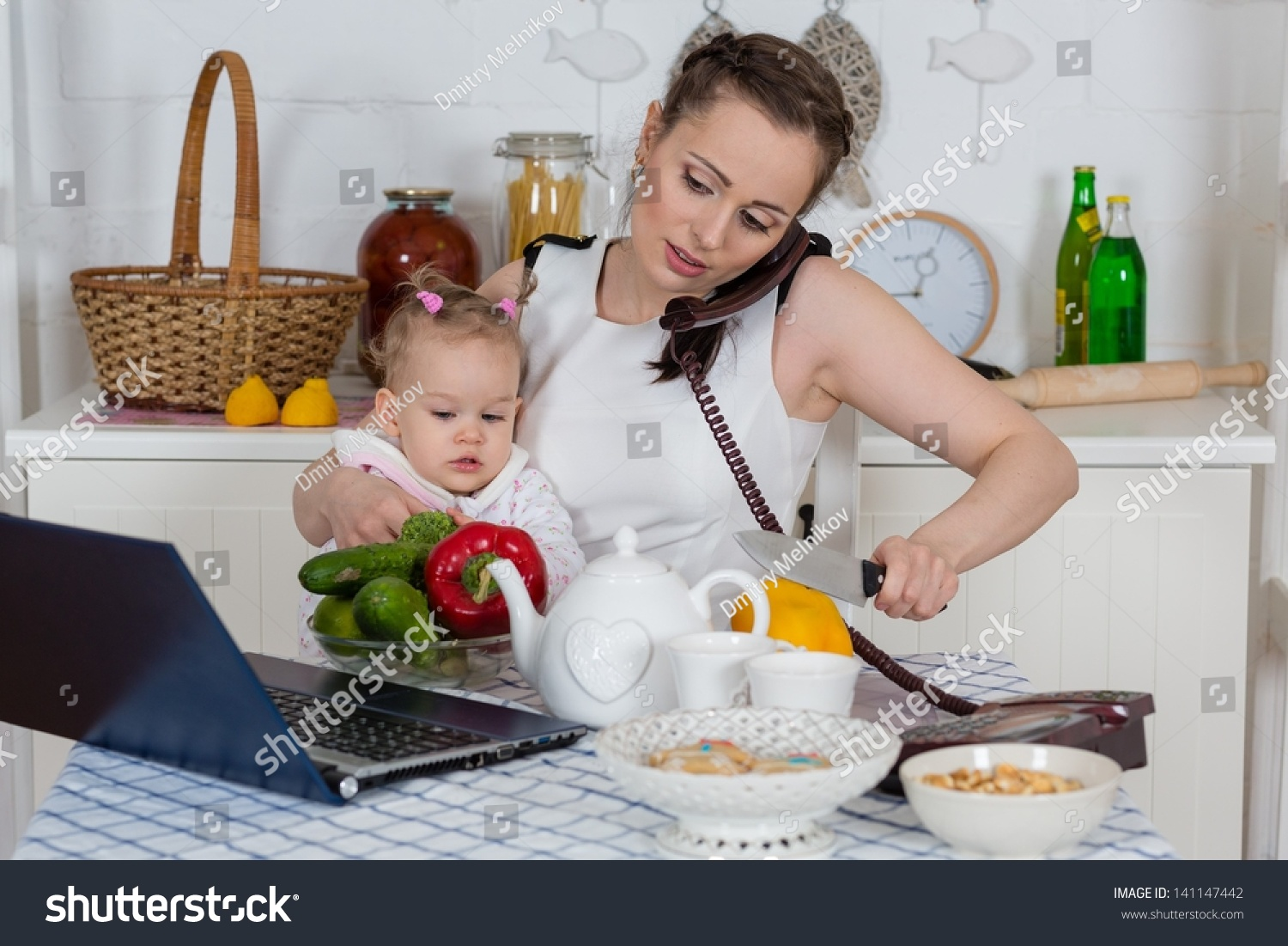 Young Mother Little Child Sit Dining Stock Photo 141147442 Shutterstock