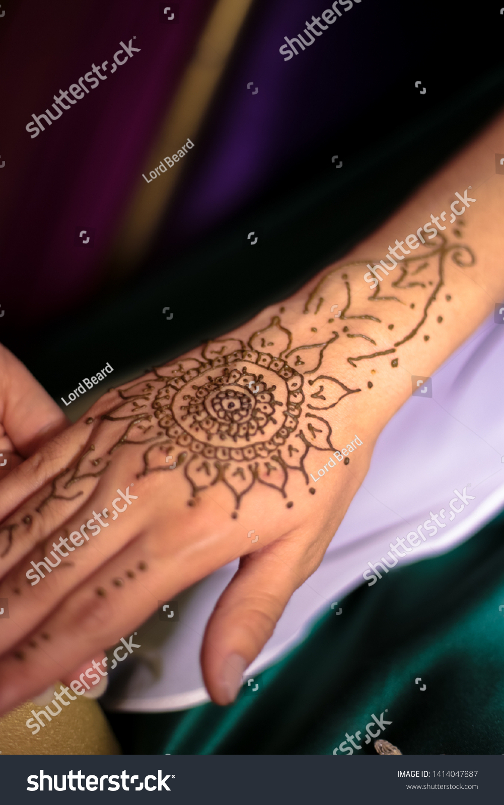 Asian Traditional Indian Ink Tattoo Brides Stock Photo Edit Now 1414047887