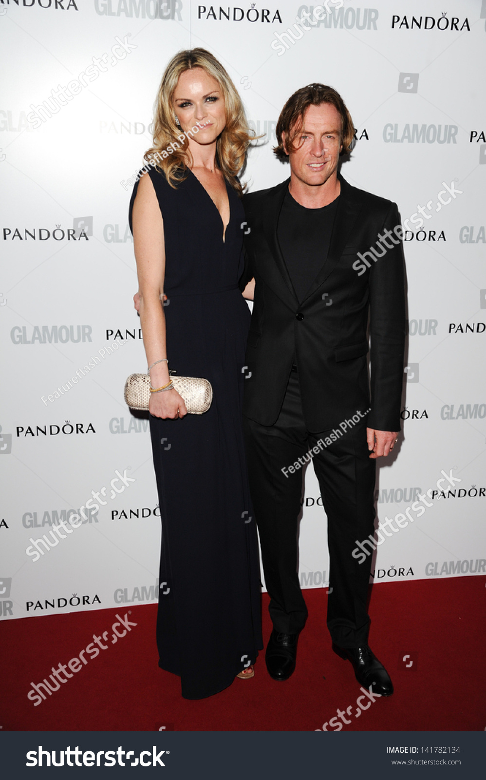Toby Stephens Wife Anna Louise Plowman Arriving Stockfoto ...
