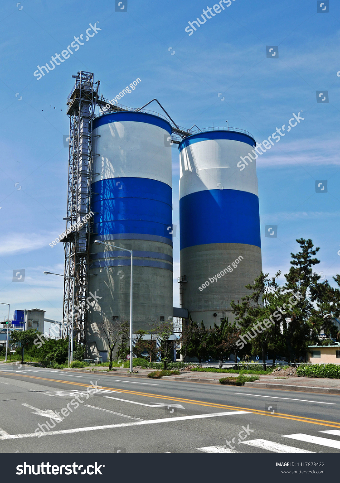 industrial tanks in industrial parks #1417878422