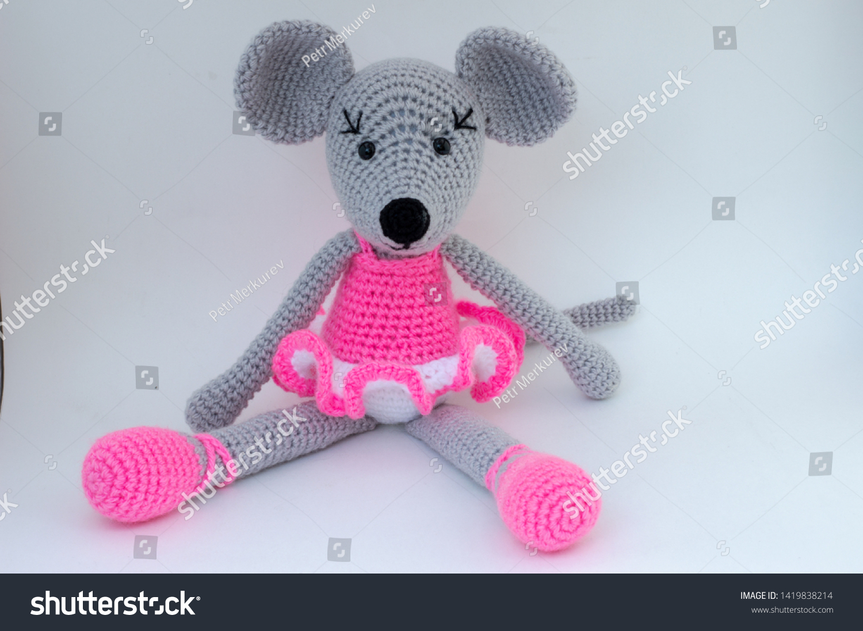 Ravelry: Ballerina Mouse pattern by Julie Erskine | 1098x1500