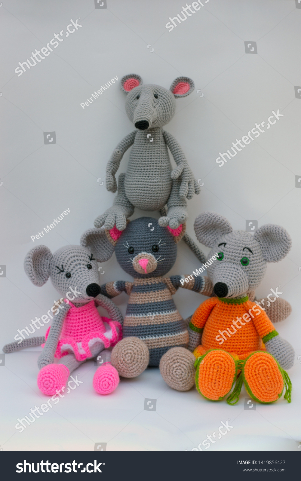 11 Free Crochet Mouse Patterns For Beginners | 1600x1001