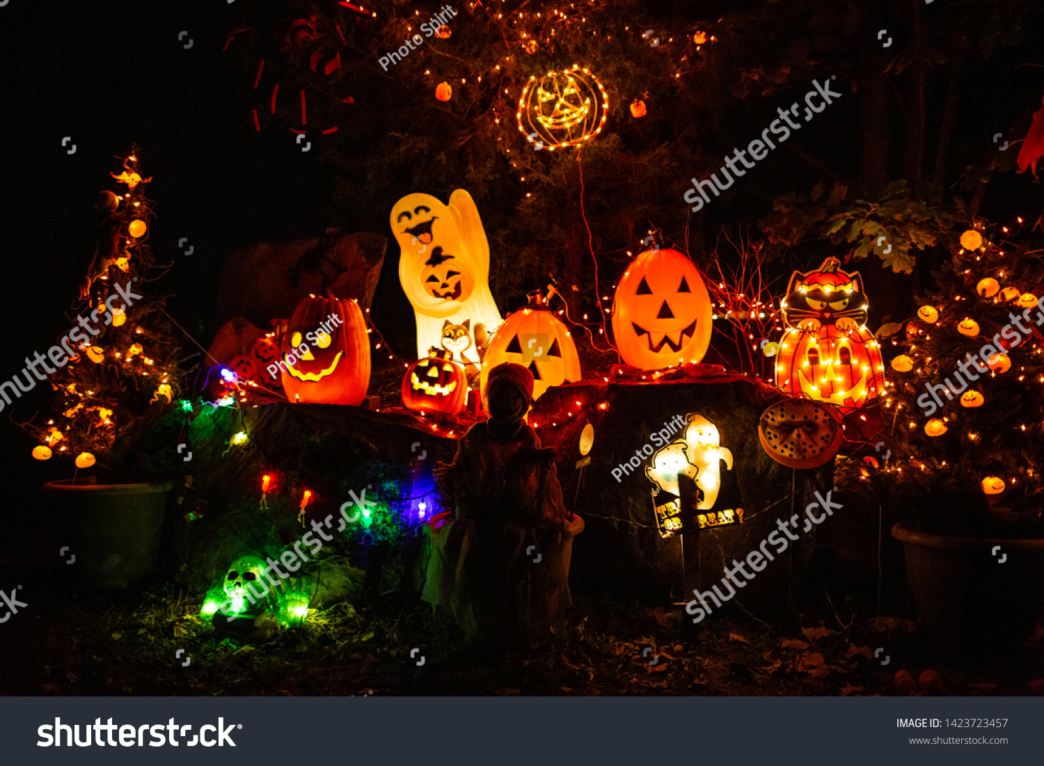 Image of: Scary Halloween Decorations Outdoors Night Lighted Stock Photo Edit Now 1423723457