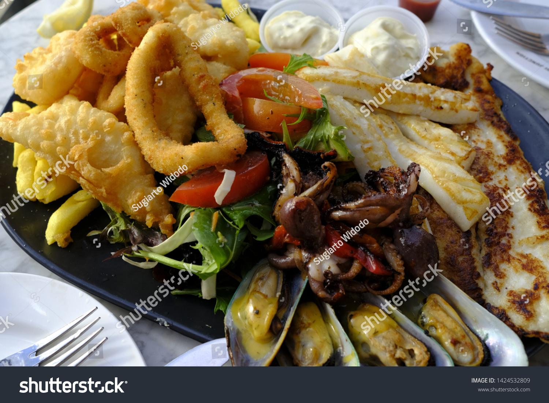 Seafood Platter Picture Taken Sydney Australia Stock Photo Edit Now 1424532809