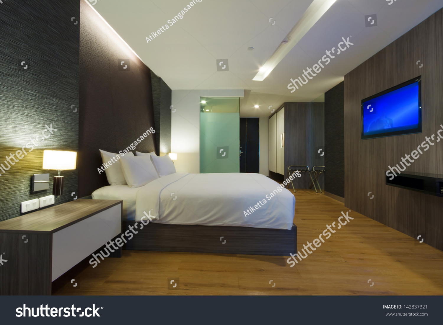 Modern Hotel Room luxury modern hotel room bangkok thailand stock photo 142837321